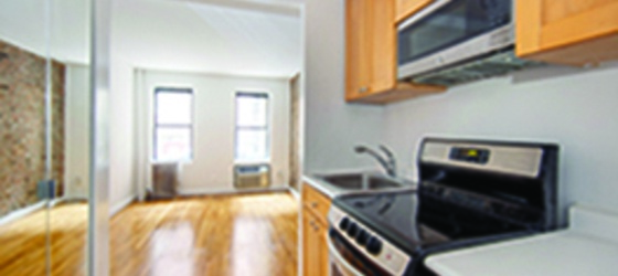 New York Housing NO FEE 1 Bed Value! Located on Soho's BEST Tree Lined Street. Great Deal - NEAR NYU! OPEN HOUSE THUR 12:30-5 & SAT/SUN 11-2 BY APPT ONLY for New York Students in New York, NY