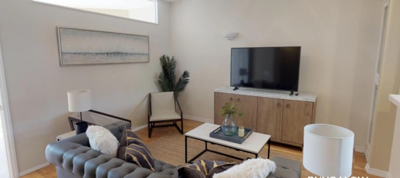 SDSU Housing Private Bedroom in Inviting Golden Hiils Triplex Near Balboa Park for San Diego State Students in San Diego, CA