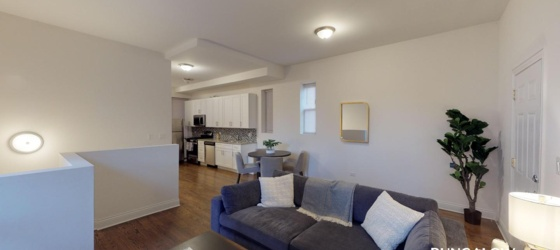Chicago Sublets Sublease at Private Room in Spacious Modern Home Near West Loop for Chicago Students in Chicago, IL